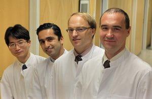 左から私、Akiyari教授、Albert教授、Lichtenberg教授